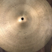 "Load image into Gallery viewer, Zildjian 15"" Avedis New Beat Hi Hat Pair"