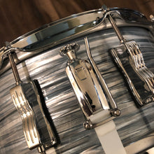 "Load image into Gallery viewer, Ludwig Classic Maple Snare Drum - Vintage Blue Oyster - 14"" x 6.5"" - LIKE NEW"