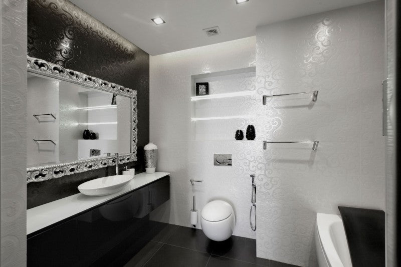 Monochrome style bathroom.