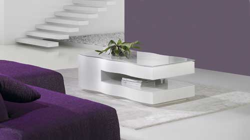 Modern luxury coffee tables with unique design details for luxe living rooms.