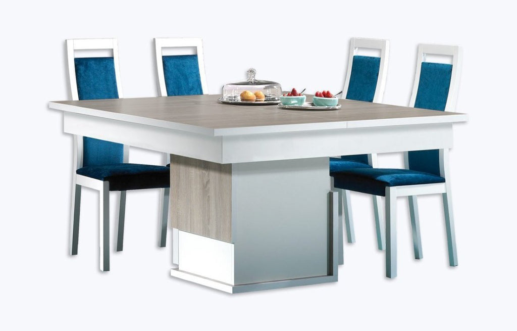Baia extendable dining table.