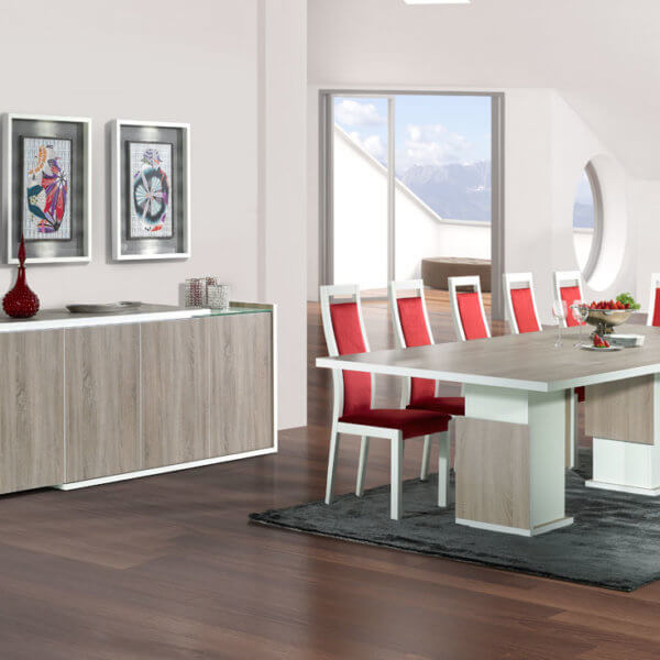 baia Sideboard and dining table in Oak.