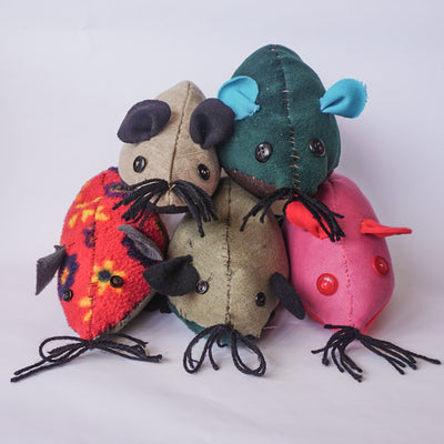 DIY Upcycle Mouse Toy Sewing Kit (post incl)