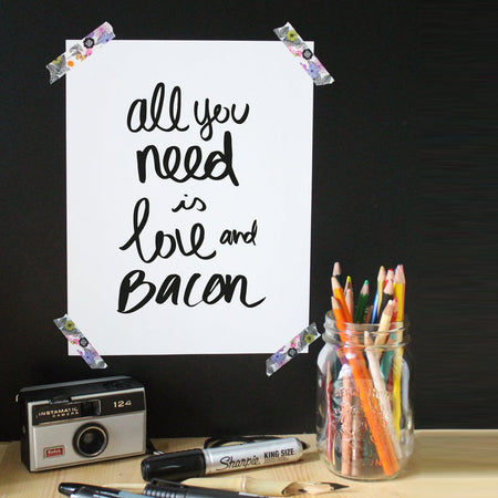 Affiche citation 'All you need is love and bacon'