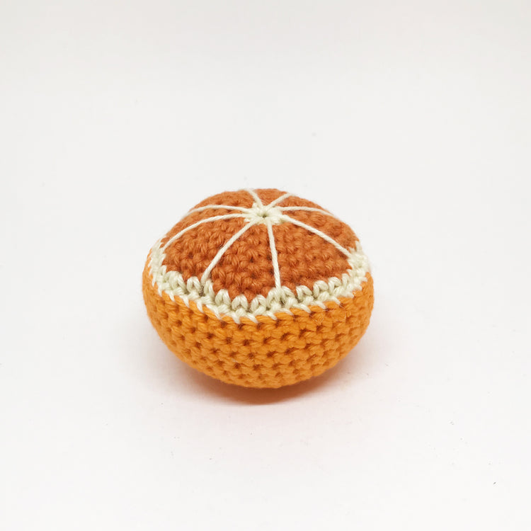 Demi orange en crochet