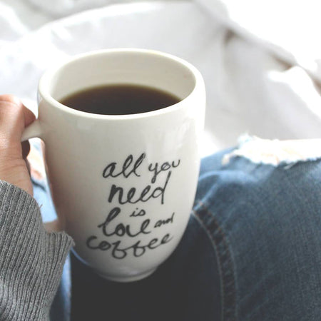 Tasse céramique 'All you need is love and coffee'