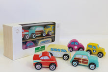 Load image into Gallery viewer, Discoveroo Wooden Beach Car Set