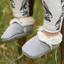 Load image into Gallery viewer, Nature Baby Lambskin Booties - Grey