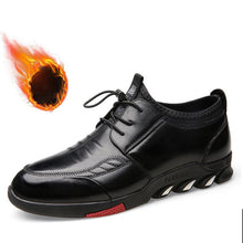 Load image into Gallery viewer, 2018 New Plus Velvet Thick Casual Men's Leather Shoes