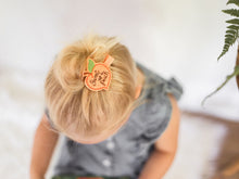 Load image into Gallery viewer, Flower // Hair Charm