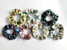 Load image into Gallery viewer, Primavera // Scrunchies