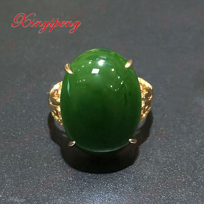 18 k rose gold with 100% natural jade ring Spinach is green Simple and easy Fine jewelry With diamond