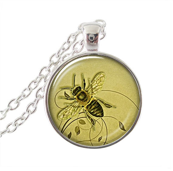 2017 Real Limited Collares Collier Animal Necklace Bee Necklaces Glass Dome Art Picture Pendant For Jewelry Fashion Jewelry HZ1