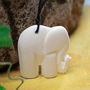 FREE SHIPPING Cute Bangkok Thai Style Little Ivory Elephant Bone Carved Never Fade Pendant Retro Wax String Necklace FREE SIZE