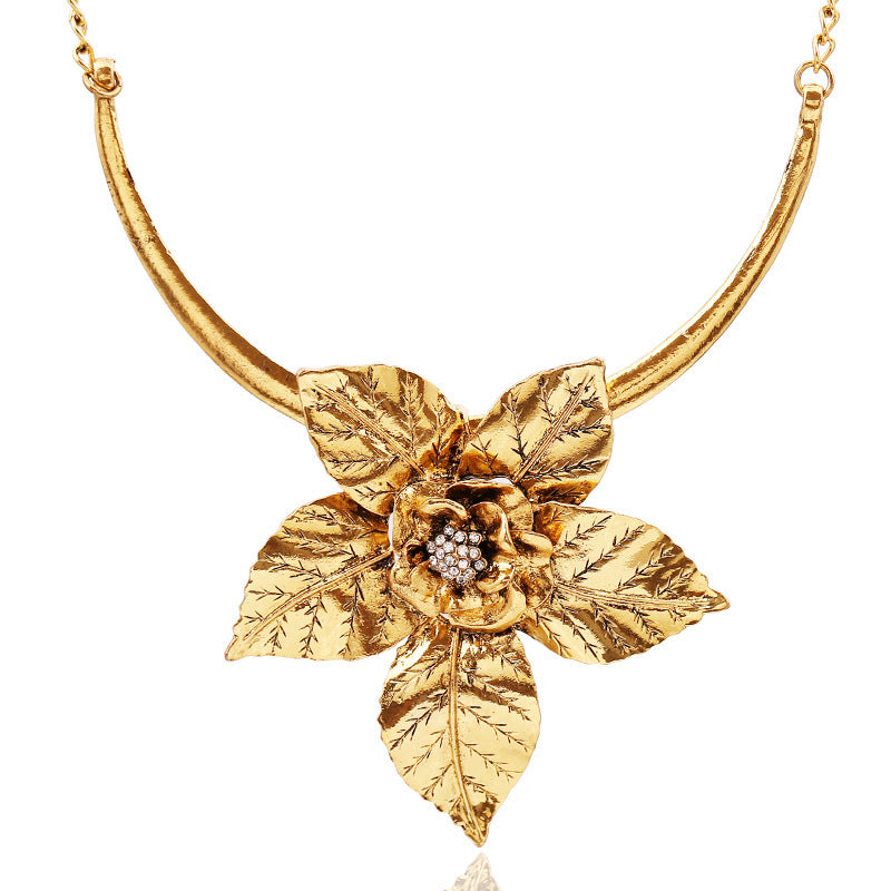 Fashion Vintage Alloy Necklace For Women Retro Gold/Silver Plated Big Flower Pendant Necklace Choker Necklaces
