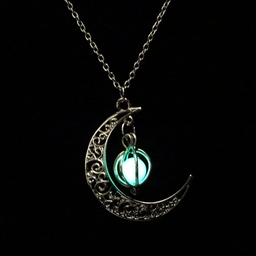 Glow In the Dark Pendant Necklaces For Women Silver Plated Chain Long Night Moon Necklaces Women Fashion Jewelry Necklaces