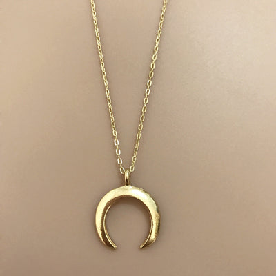 Hot Sale Delicate kolye pendant Necklace Curved crescent moon necklace Gold Silver women Necklace ladies Jewelry Birthday Gift