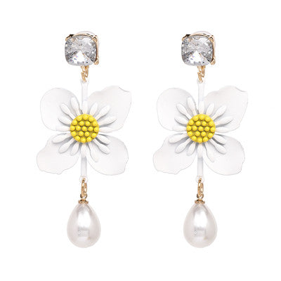 Hot Selling Korean Statement Jewelry Simulated Pearl Flower Earrings For Girls Drop Earring Brincos