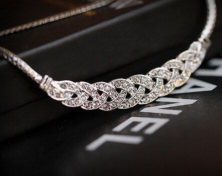2017 New ! Fashion Fine Jewelry Metal Intertwined Rhinestones Snake Chain Elegant Necklaces & Pendants For Women N-59