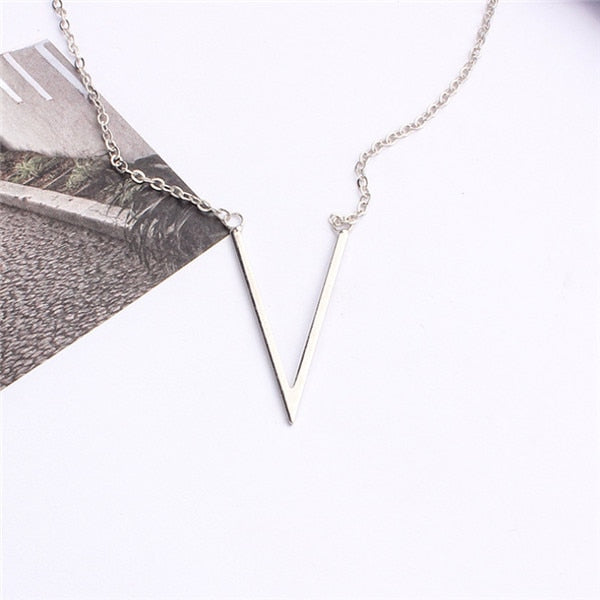Silver Gold Color V Letter Necklace for women Jewerly Simple Female Pendant Necklace with Letter Collier Femme 2020