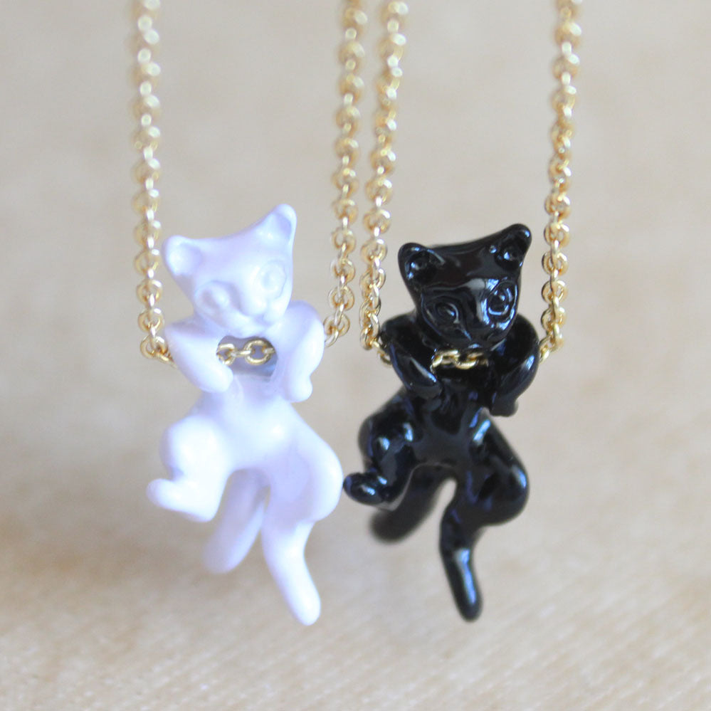 hot sale Japanese popular black white cat necklace simple 3d cute lovely animal pendant necklace gold chain for women jewelry
