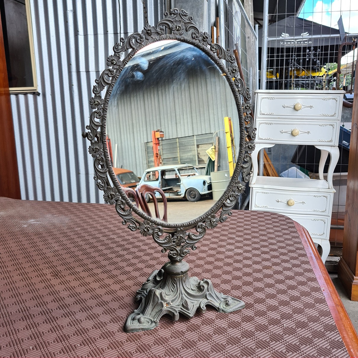 Oval Retro Mirror on Stand