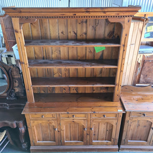 Large Display Hutch