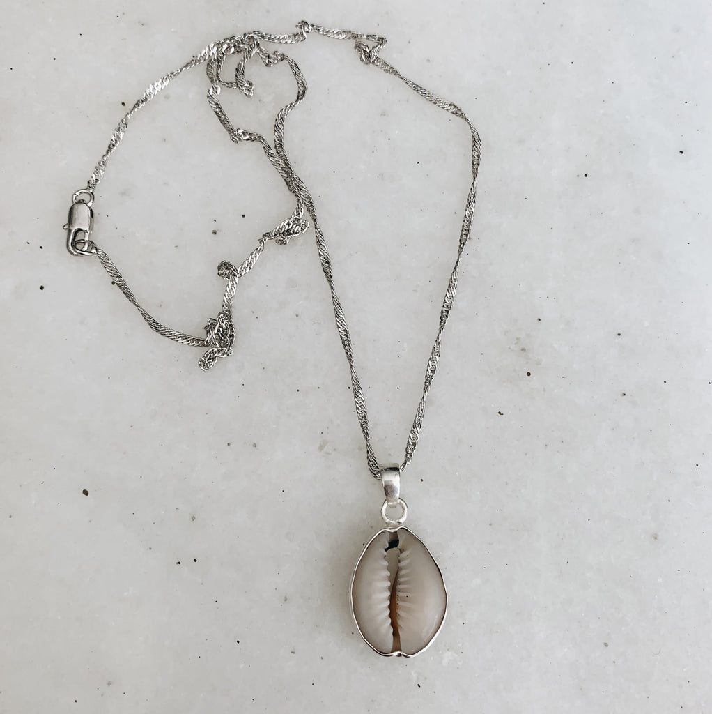 sweet palms kauri shell necklace silver plated
