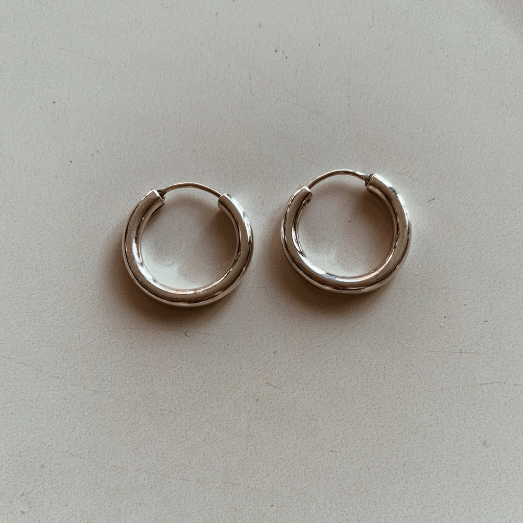 Hoop Earrings Medium - Silver