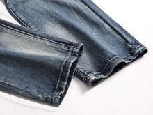 Load image into Gallery viewer, Men Ripped Solid Jeans