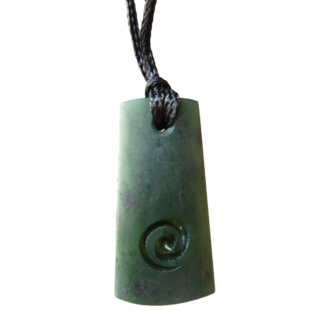 Mana NZ Wedge shaped greenstone pendant with koru carving (4cm)