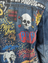 Load image into Gallery viewer, Printed Denim Jacket