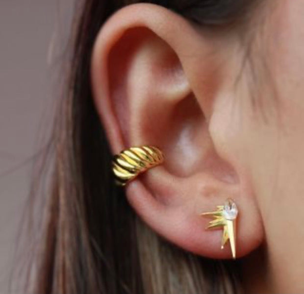 Ear cuff Twisted