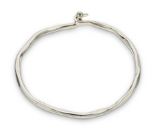Load image into Gallery viewer, Palas Silver Opening Bangle