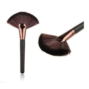 Glamza Large Fan Brush