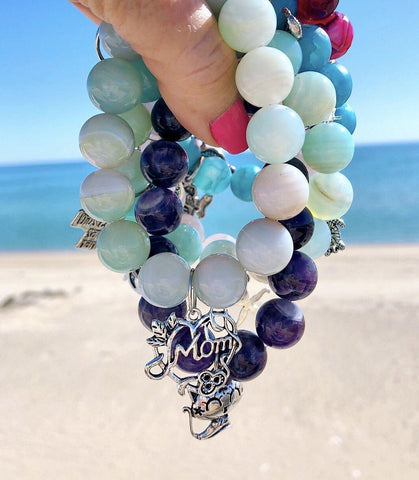 Image of 14mm Striped Blue Agate Gemstone with 'Mom' Charm KissMeStyle