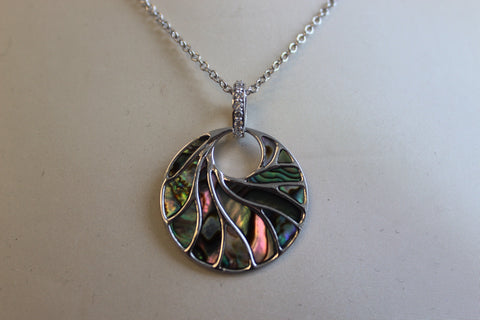 Medium White Gold Mother Of Pearl Necklace