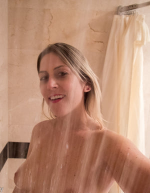 Erica - Shower - eBook + Video