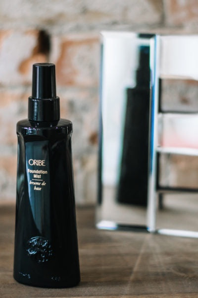 Oribe | full sized - $150 gift with purchase - KISS AND MAKEUP