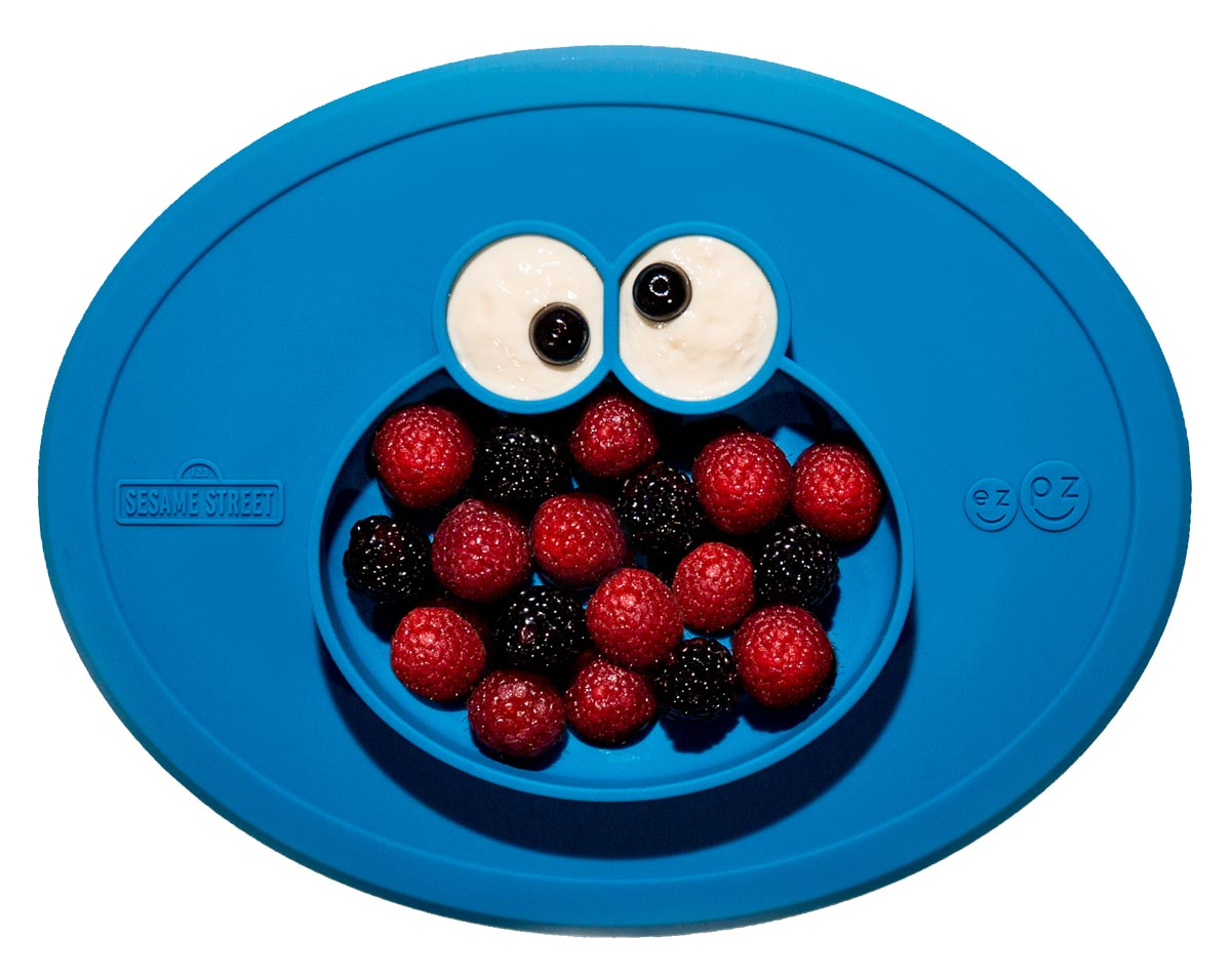 LIMITED EDITION The Cookie Monster Mat inspires positivity and adventurous eating at mealtime. Sesame Street and ezpz share a common mission, which is to help kids of all abilities meet key developmental milestones and grow smarter, stronger, and kinder. All children have the right to learn, play and eat well. Designed