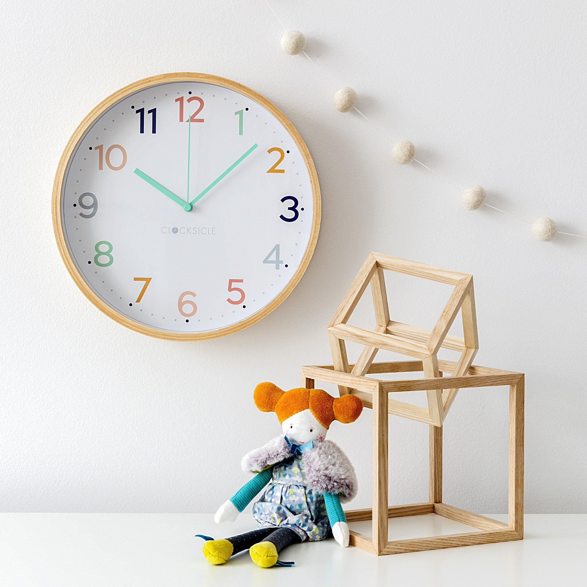 Kids Rainbow Clock
