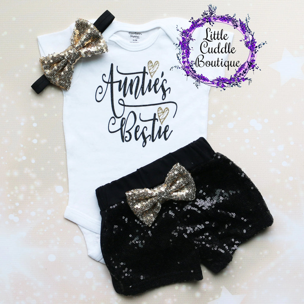 Auntie's Bestie Shorts Baby Outfit