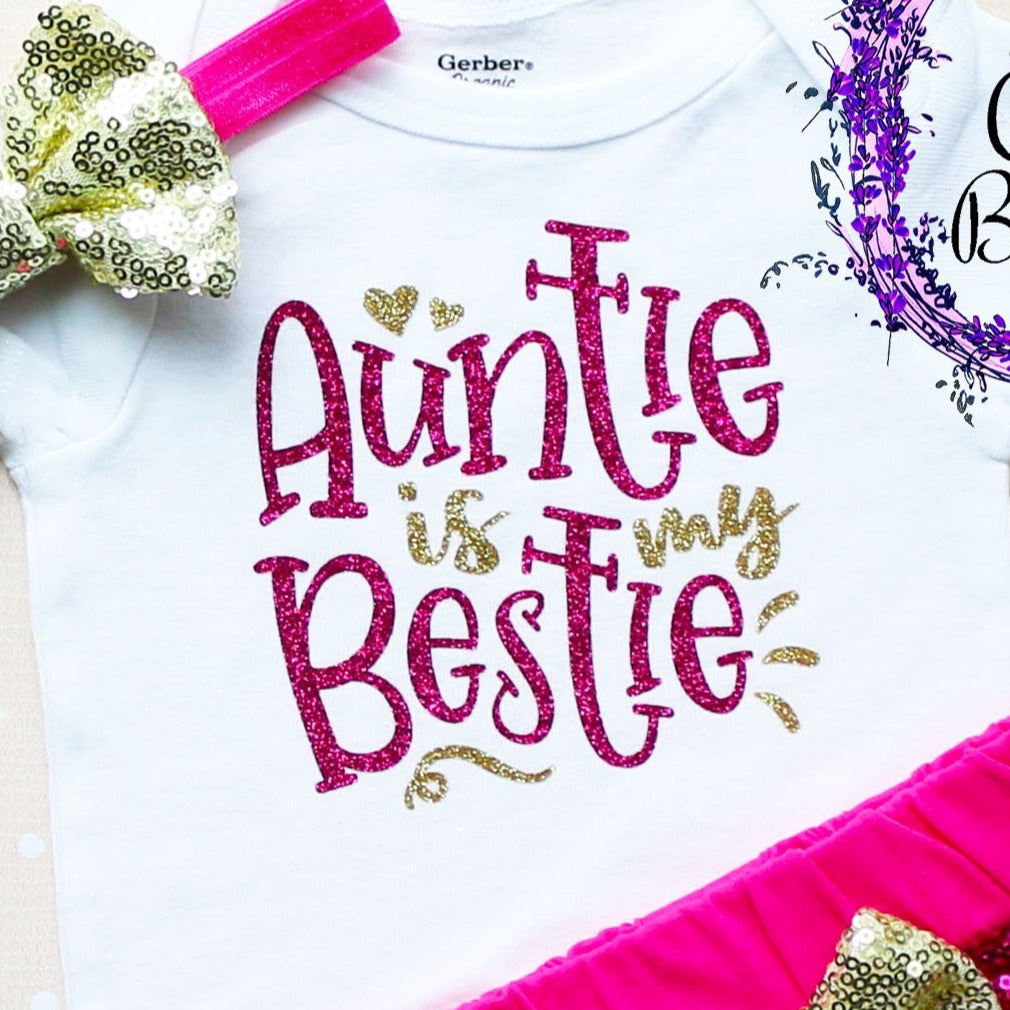 Auntie Is My Bestie Shorts Outfit