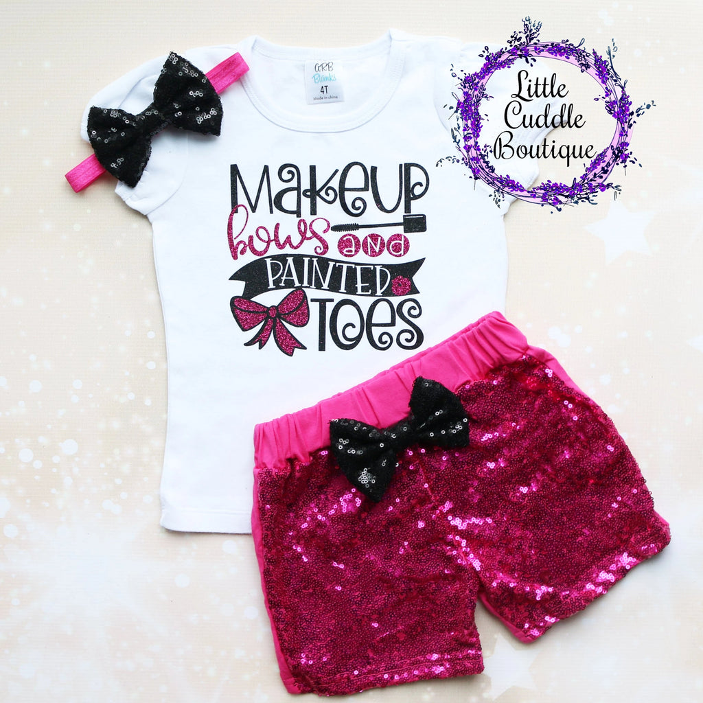 Makeup Bows And Painted Toes Shorts Outfit