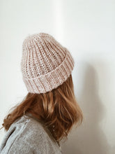 Load image into Gallery viewer, Beanie No. 1 - DE