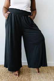 Go Get 'Em Gaucho Pants In Black