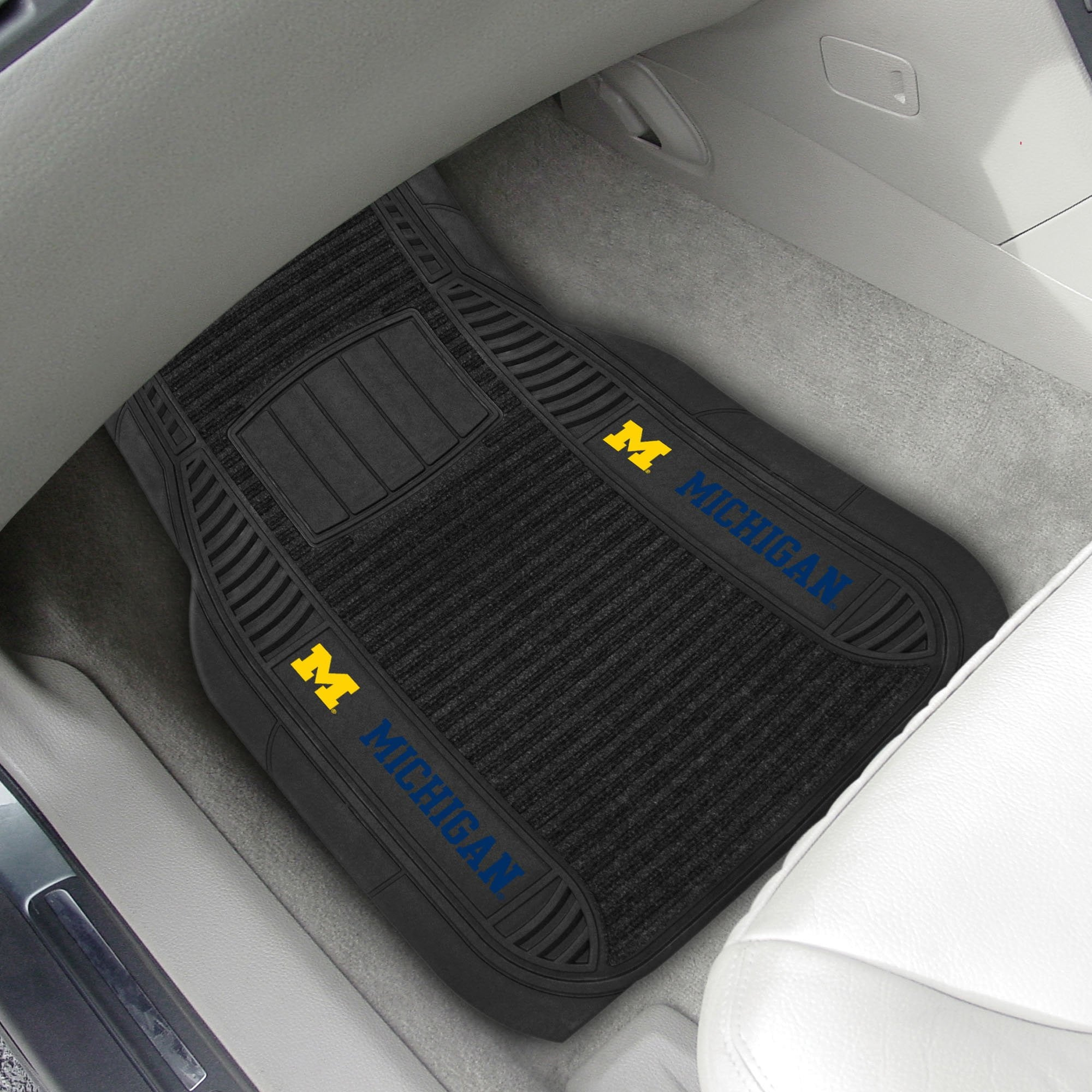 Michigan Wolverines 2-pc Front (Vinyl/Carpet) Car Mat Set 21