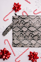 Load image into Gallery viewer, Grand Holiday Oversized Clutch