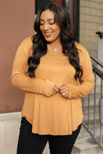 Load image into Gallery viewer, The Wendi Top in Harvest Orange