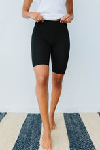 Load image into Gallery viewer, Aero Biker Shorts In Black